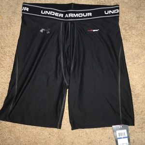Mens Under Armour Heatgear Fitted Trunks Boxer NWT